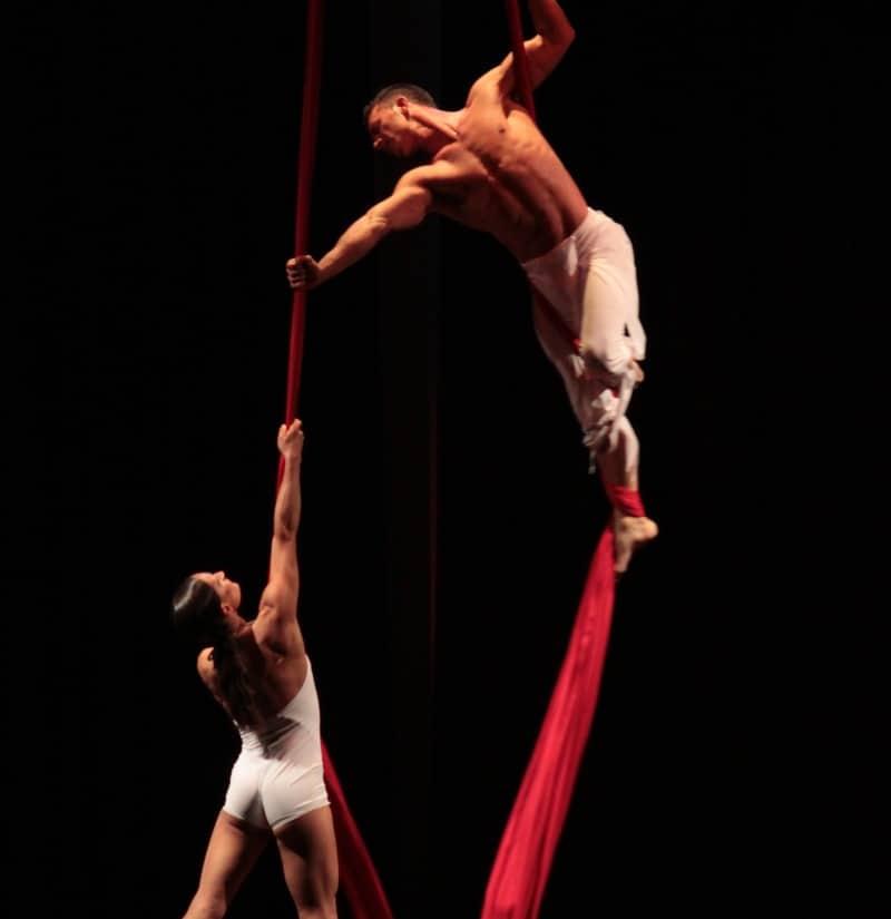 danza-aerea-coppia
